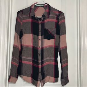 Maurice's soft long sleeve plaid button down